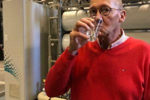 Super zuiver rioolwater proeven in weekend van de wetenschap